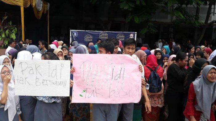 UPDATE Guru Pukul Murid - Muncul Petisi Pembelaan Agar Idianto Tak Dimutasi, Siswa Nangis Histeris