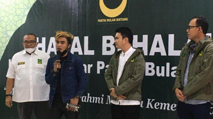 Perkuat Silahturahmi, Partai Bulan Bintang Gelar Halal Bihalal Bersama Kader Artis Milenial