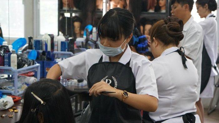 5 Keuntungan Ikut Sekolah Kecantikan Online Saat Pandemi