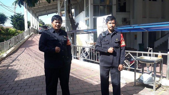 Kisah 2 Satpam Muslim Menjaga HKBP Kernolong: Tinggal di Gereja, Dapat THR dari Jemaat