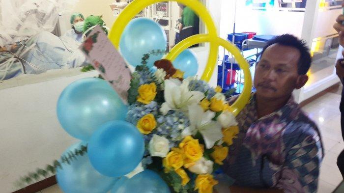 Karangan Bunga Ucapan Selamat Atas Kelahiran Anak Ahok Terus Berdatangan di RSIA Bunda