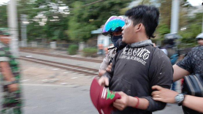 Polisi Tangkap 4 Orang Terduga Perusuh Saat Demo di Palmerah