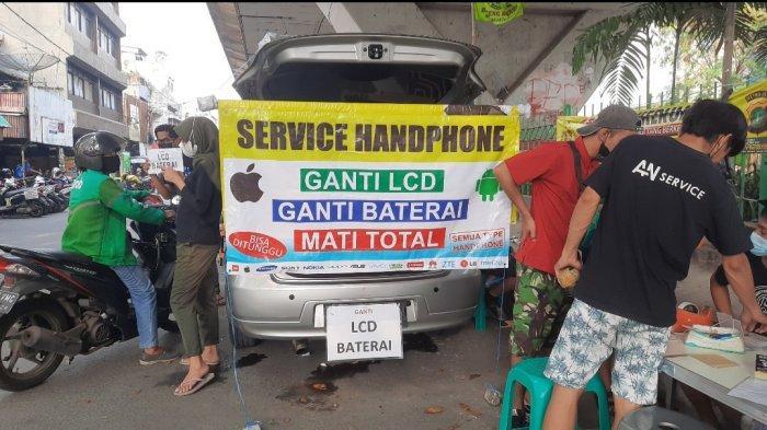 Jasa Service Hp di ITC Roxy Mas Pindah ke Jalan, Toko Ditutup Selama PPKM Level 4 di Jakarta