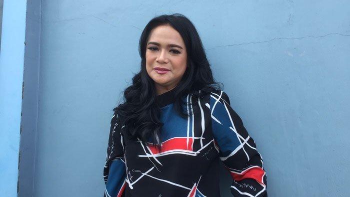 Dituding Selingkuh Setelah Ketahuan Video Call oleh Suami, Shezy Idris : Awas Balik ke Diri Sendiri!