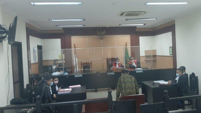 Sidang tertutup oknum tenaga medis mesum di Terminal 3 Bandara Soekarno-Hatta di Pengadilan Negeri Tangerang, Rabu (16/12/2020).