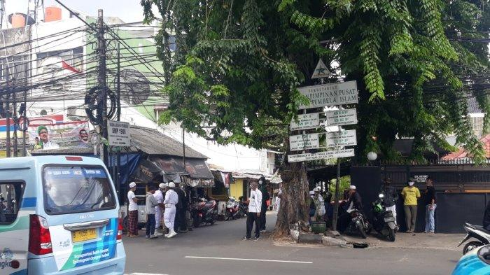 Massa Pro Habib Rizieq Terus Berjaga di Petamburan III, Jawara Brigade 411: Kita Jagain Rumah IB