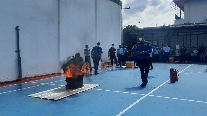 Antisipasi Kejadian di Tangerang, Lapas Kelas II ABekasi Gelar Simulasi Kebakaran