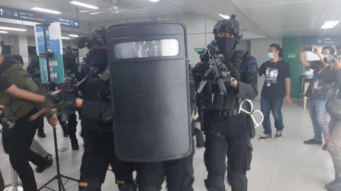 Gelar Simulasi Penanganan Teroris di Stasiun MRT, Polri Sebut Aksi Teror Bisa Datang dari Mana Saja