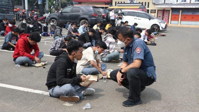 Baru Sehari Sekolah Tatap Muka Digelar, Puluhan Pelajar Jakarta dan Tangerang Tawuran Bawa Celurit