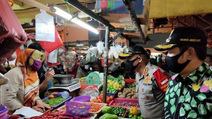 Curhat Pedagang di Depan Pimpinan Jakarta Barat: Selama Corona, Harga Murah tapi Pembelinya Sepi