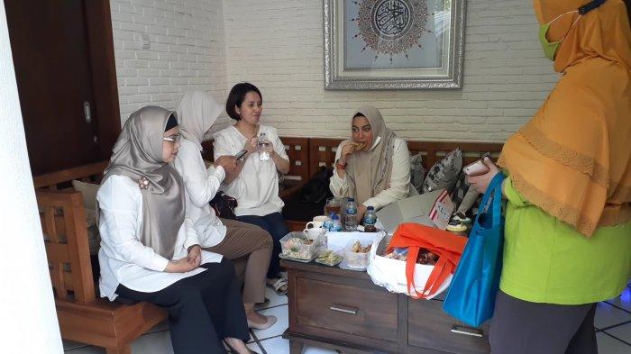 calon Wali Kota nomor urut 2, Siti Nur Azizah, di kediamannya di Kompleks Graha Taman, Bintaro Sektor 9, Pondok Aren, Tangsel, Rabu (9/12/2020).