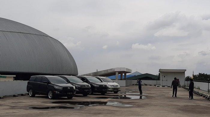 Viral Satpol PP Bubarkan Remaja Main TikTok di Rooftop Gedung Parkir Stadion Patriot