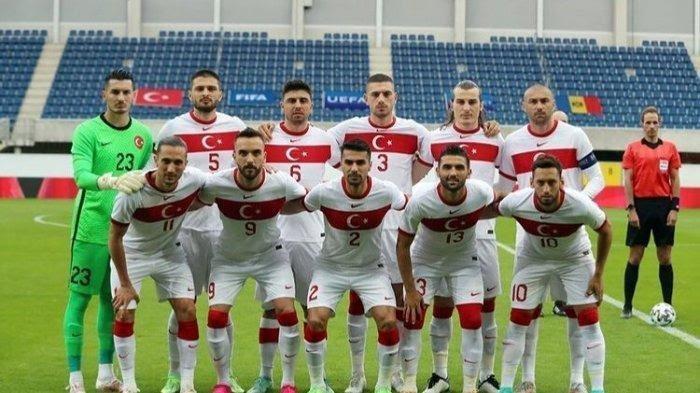 PROFIL SKUAD TIMNAS TURKI di Euro 2020: Hakan Calhanoglu dkk Bisa Tampil Mengejutkan Seperti 2008