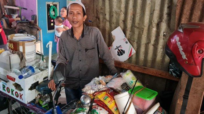 Slamet, pedagang starling di Kampung Starling, Senen, Jakarta Pusat pada Rabu (22/9/2021).