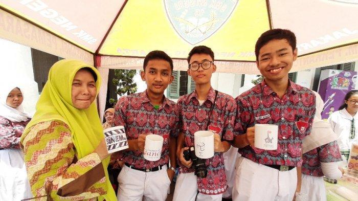 Jurusan Multimedia SMKN 16 Jakarta, Siswa Bisa Cetak Gambar di Cangkir