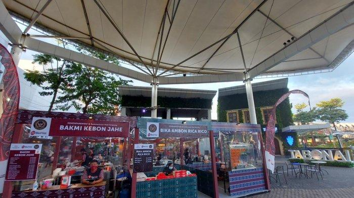 Summarecon Mall Serpong (SMS) kembali bekerja sama dengan Kementerian Pariwisata dan Ekonomi Kreatif (Kemenparekraf) menghadirkan pekan raya produk kreatif dan kuliner Sumatera Utara bertajuk Beli Kreatif Danau Toba dan Pesona Kuliner Danau Toba (PKDT), Minggu (14/2/2021).