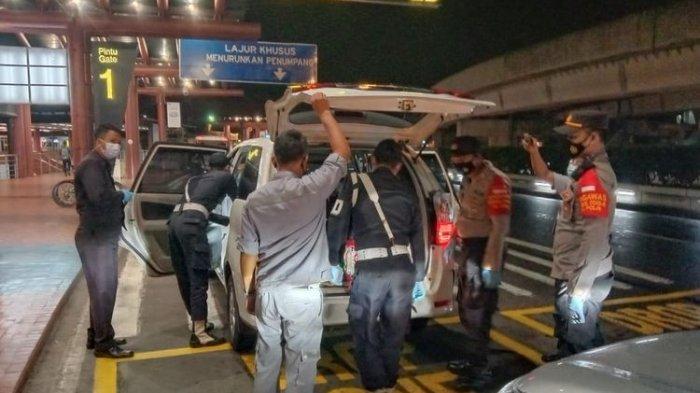 Penjagaan di Bandara Soetta Dipertebal Usai Ada Serangan Teroris, Polisi Giat Check Mobil Penumpang