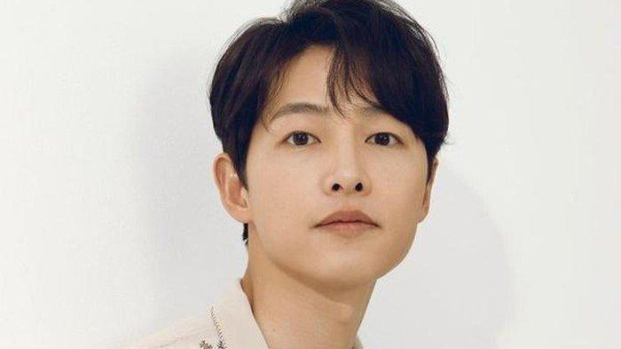 Song Joong Ki Jadi Brand Ambassador Merek Kosmetik Lokal