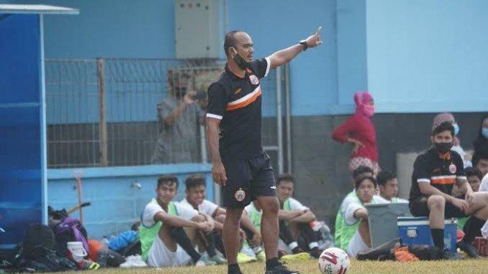 Namanya Mirip Sang Pelatih, Pelapis Mbeng Jean di Liga Indonesia 2001 Kini Jadi Pelatih Persija EPA