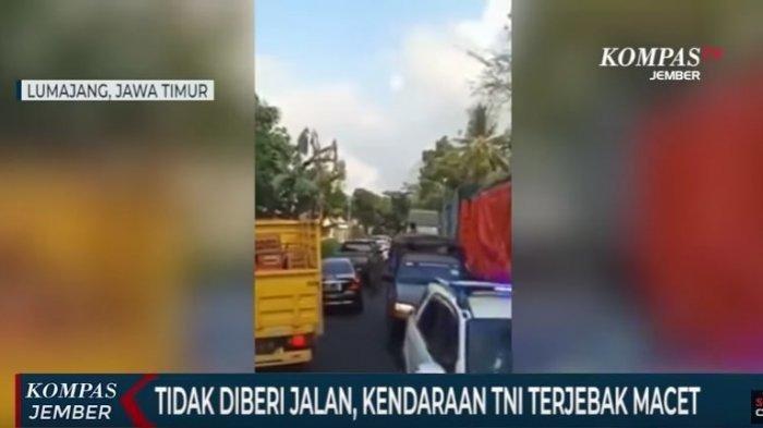 Beraksi Sendiri Lalu Unggah Video ke Akun Medsos Pribadi, Ulah Sopir Truk Halangi Kendaraan TNI