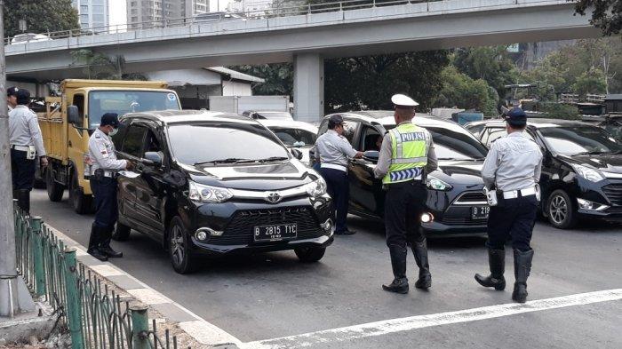 Hari Pertama Perluasan Ganjil Genap, 268 Kendaraan Ditilang di Jakarta Barat