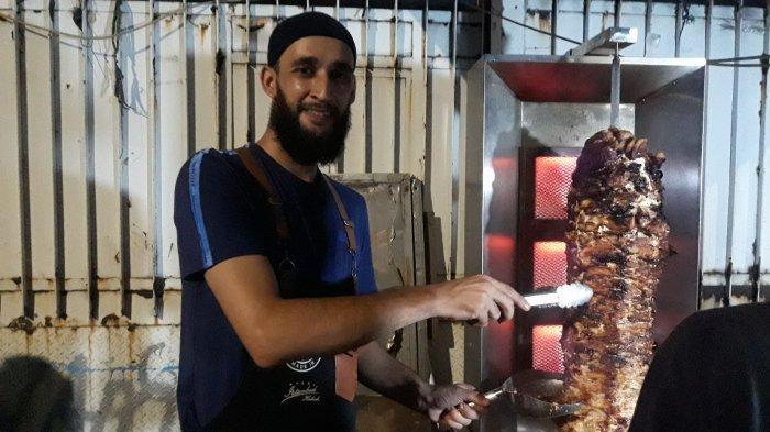 Kisah Mustafa Pria Asal Turki Yang Merantau Ke China Hingga Indonesia Untuk Jual Kebab Istanbul Tribun Jakarta
