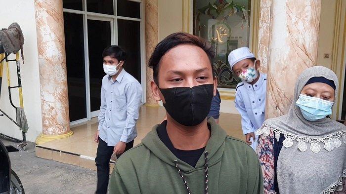 Ini Dia Sosok Nawir, Pemuda yang Ngotot Paksa Buka Masker Jemaah Masjid Al Amanah Bekasi