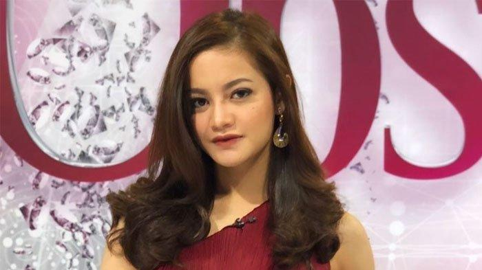 Sosok presenter Ovi Dian