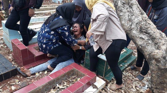 Korban Demo di Gedung DPR Alamsyah Akbar Wafat, Sang Ibu Histeris, Keluarga Ungkap Status Tersangka