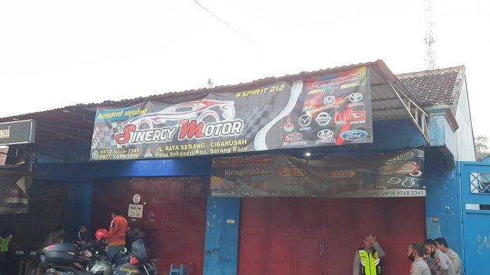 Ada Hastag Spirit 212 di Spanduk Bengkel Terduga Teroris di Bekasi, Begini Penampakannya