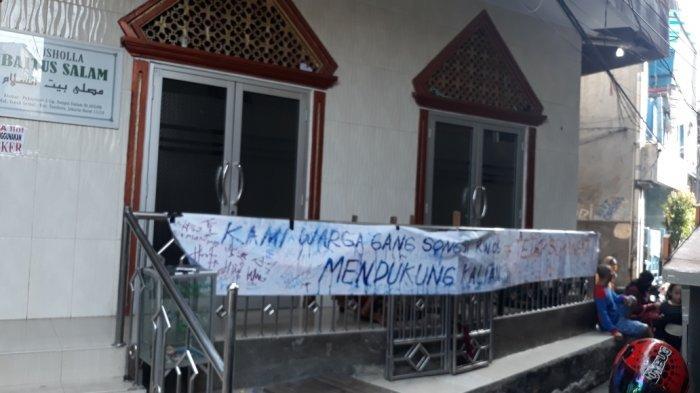 Bantu Tetangga Jalani Isolasi di Mandiri, Warga Tambora: Kami Tetangga, Harus Saling Menguatkan