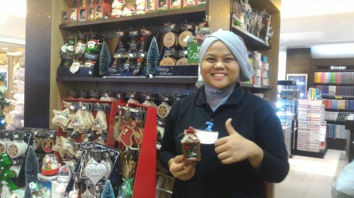 Annisa Nurul, Sales Promotion Girl Event Gramedia Mal Kelapa Gading.