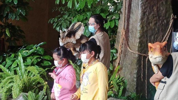 Spot selfie Baby Dinoland di unit rekreasi Dunia Fantasi Taman Impian Jaya Ancol, Sabtu (20/3/2021).
