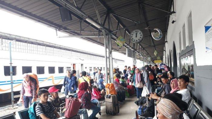 Hingga H+10 Lebaran, 22 Ribu Penumpang Tiba di Stasiun Pasar Senen Setiap Harinya