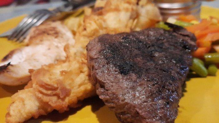 Steak Pesta Pora, salah satu menu kombinasi di Steak Potik, Tangerang.