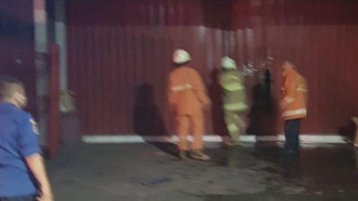 Diduga Akibat Korsleting Listrik, Studio Foto di Kebon Jeruk Kebakaran Rabu Dini Hari