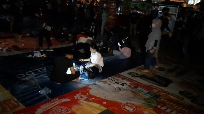 Pedagang Alun-alun Wajib Bubar Pukul 21.00, Wali Kota Bekasi Ancam Siram Pakai Damkar Jika Bandel