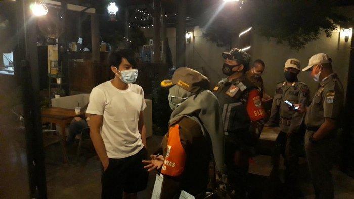 Kedapatan Melanggar Protokol Kesehatan, Satpol PP Petukangan Utara Bakal Tutup Cafe Medellin