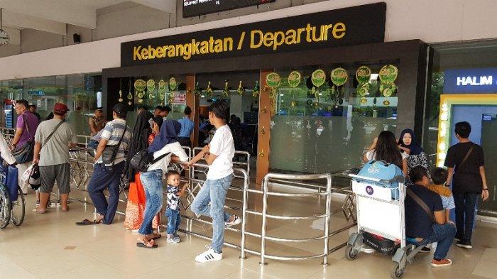 Suasana di Bandara Halim Perdanakusuma, Jakarta Timur, Jumat (8/6/2018) pagi.