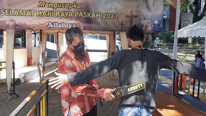 Rangkaian Hari RayaPaskah di Bekasi Berlangsung Khidmat, Tambah Pengamanan Dilakukan di Tiap Gereja - suasana-di-gereja-santo-arnoldus-jenssen-bekasi-2.jpg