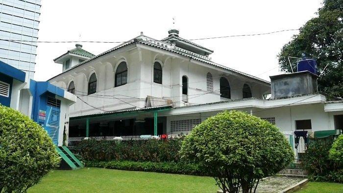 Mengenang Perjuangan Pangeran Kuningan Adipati Awangga di Masjid Tua Al Mubarok