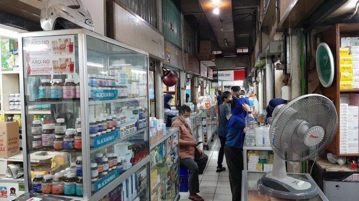 Harga Masker Medis dan Vitamin C di Pasar Pramuka Masih Stabil, Pedagang: Stok Masih Aman