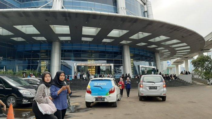 Cerita Dan Harapan Pelamar Di Walk In Interview Bca Datang Sejak Pagi Hingga Rapor Ketinggalan Tribun Jakarta