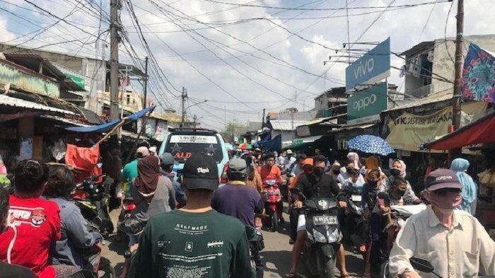 Pasar Warakas Tanjung Priok Ramai Dipenuhi Warga Sehari Jelang Lebaran