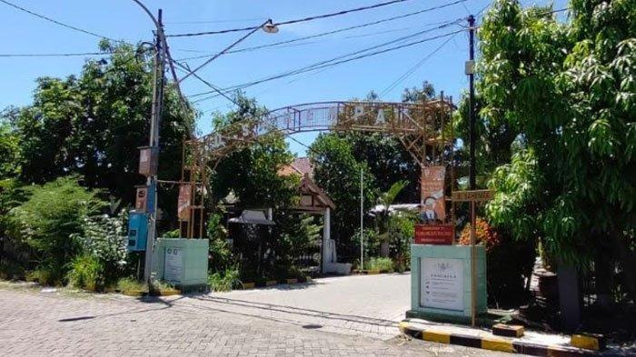 Suasana kampung tempat tinggal Komandan Letkol Laut (P) Heri Oktavian di Sukolilo Baru.