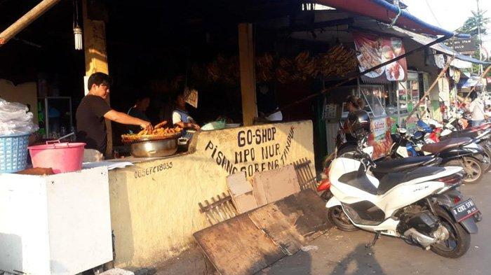 Cerita Mpok Nur Dagang Pisang Tanduk Jumbo di Manggarai yang Laris: 2.500 Pisang Habis Sehari