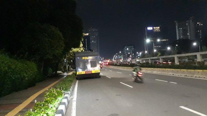 Lancar, Begini Pantauan Terkini Lalu Lintas di Depan Gedung DPR Pukul 19.00 WIB - suasana-lalu-lintas-depan-dpr-1.jpg