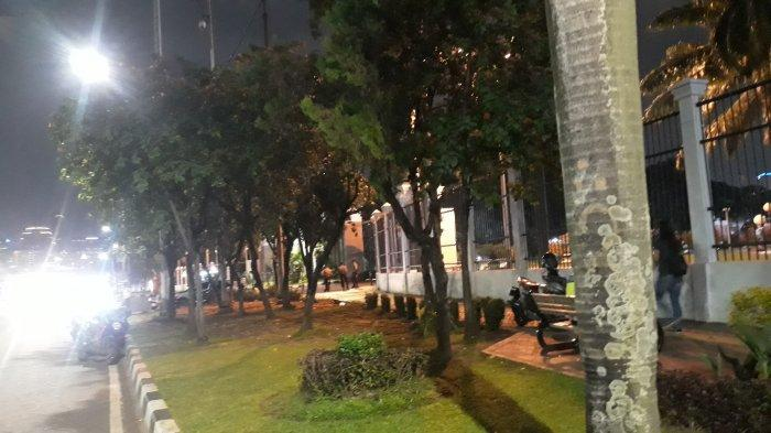 Lancar, Begini Pantauan Terkini Lalu Lintas di Depan Gedung DPR Pukul 19.00 WIB - suasana-lalu-lintas-depan-dpr-2.jpg