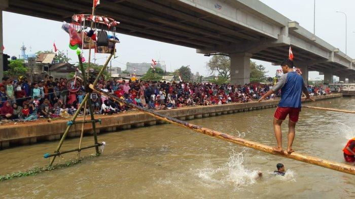 Gebuk Bantal Sampai Bazar Hiasi Semarak Kalimalang di Cipinang Melayu