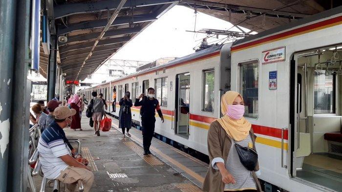 KRL Tidak Berhenti di Stasiun Tanah Abang, Sejumlah Perjalanan Terdampak
